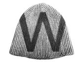 W letter painted on cap — Stock Photo