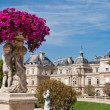 Luxembourg gardens ornamental statue, Paris — Stock Photo #12783067