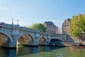 Paris, Pont Neuf on Seine river — Stock Photo