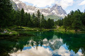 Mount Cervino and Blue Lake, Aosta Valley — Stock Photo
