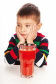 Chlapec s rajčatovou šťávou — Stock fotografie