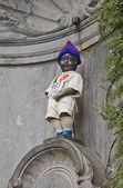 Manneken Pis in sport uniform. Brussels, Belgium — Stock Photo