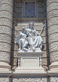 Statue of Europe. Natural History Museum in Vienna — Stock Photo