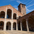 Basilica of Sant Ambrogio (circa 1080). Milan, Italy — Stock Photo