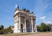 Arc of Peace ( XIX c.) in Sempione Park. Milan, Italy — Stockfoto
