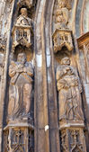 Statues of Saints Andrew and Peter in Saint Savior Cathedral — Stock Photo