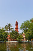 Tran Quoc Pagoda (1639). West Lake, Hanoi, Vietnam — Stock Photo
