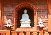 Statue of Buddha Amitabha in Tran Quoc Pagoda. Hanoi, Vietnam — Stock Photo