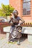 Market woman statue, Torun, Poland — Stock Photo