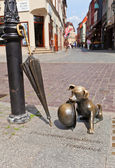 Statue of dog Filus in Torun, Poland — Stock Photo