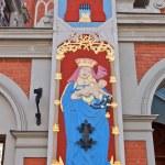 Madonna with child. House of Blackheads, Riga, Latvia — Stock Photo #47315081
