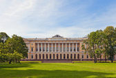 Mikhailovsky Palace (1825) in Saint Petersburg, Russia — Stock Photo