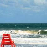Lone Lifeguard chair along the Atlantic Ocean in Jacksonville Florida — Stock Photo