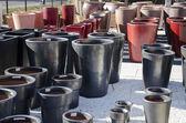 Pots de fleurs et jarres colorées — 图库照片