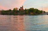 Wyspa kastellholmen, sztokholm na zachodzie słońca. — Zdjęcie stockowe