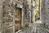 Medieval alley in Croatia. — Stock Photo