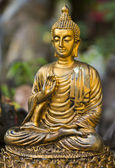 Golden Buddha statue. — Stock Photo