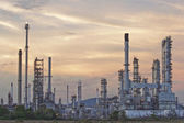 Oil refinery at twilight sky. — Stock Photo