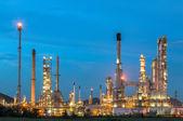 Oil refinery at twilight. — Stock Photo