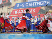 Performance of folklore ensemble (Saratov region) in the city of Saratov. — Stock Photo