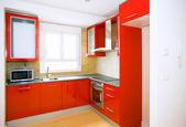 在新的和空的房子的厨房家具 — 图库照片