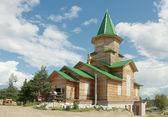 Ortodox dřevěný kostel ve výstavbě — Stock fotografie
