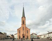 Quadrato vicino chiesa luterana della pace, kehl, germania — Foto Stock
