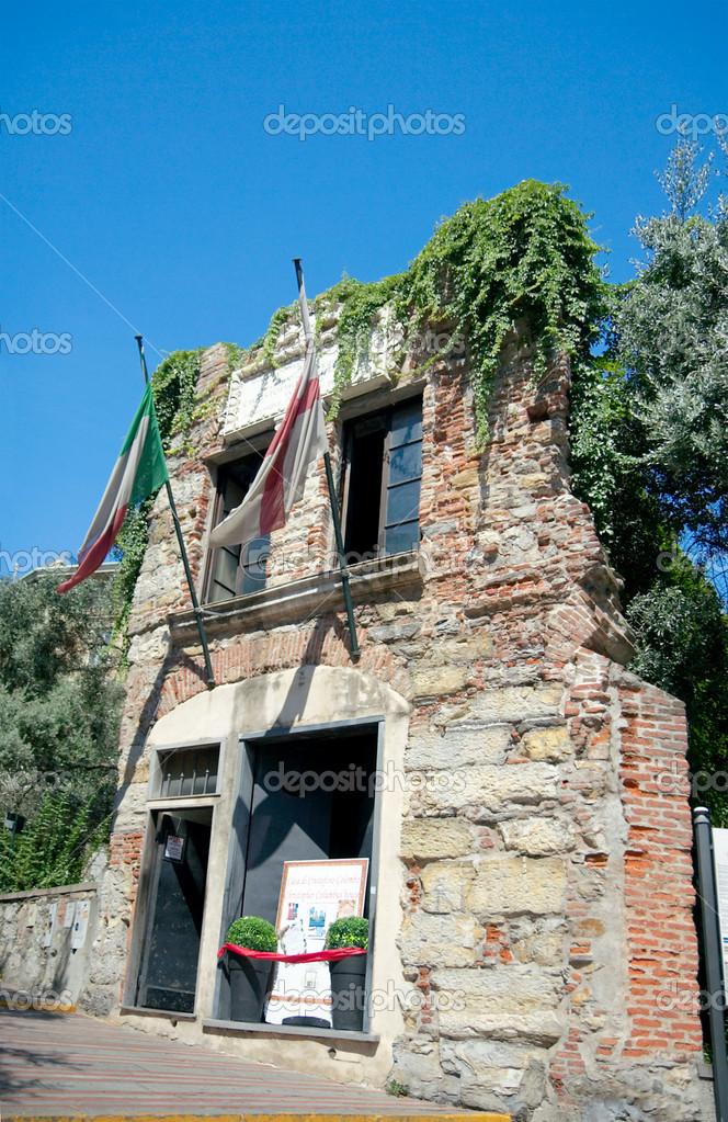 Casa de crist bal col n g nova italia fotos de stock for House of 950