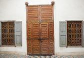 Stare drzwi w marrakech, maroko — Zdjęcie stockowe