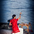Evening ritual of worshipping to Ganges river — 图库照片