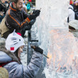LONDON, UK - JANUARY 13: Public activity at the London Ice Sculp — Stock Photo