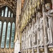 Entrance to the Quire in York Minster, UK, featuring stone statu — Stock Photo