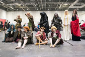 Cosplayers dressed as characters from the film the Hobbit — Stock Photo
