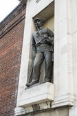 LONDON, UK - NOVEMBER 13: Statue of African explorer David Livin — Stock Photo