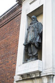 LONDON, UK - NOVEMBER 13: Statue of Polar explorer Ernest Shackl — Stok fotoğraf