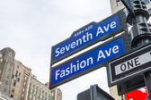 NEW YORK, US - NOVEMBER 23: Seventh Avenue and Fashion Avenue st — Stock Photo
