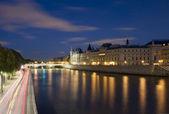 Paris Seine Conciergerie — 图库照片