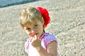 Bambina con fiocco — Foto Stock