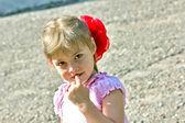 Holčička s lukem — Stock fotografie