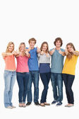 A group smiling and giving the thumbs up — Stock Photo