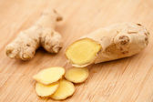 Slice of ginger and piece of ginger — Stock Photo