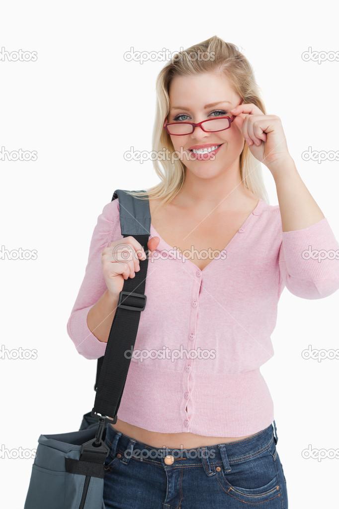 Sorridente Mulher Loira De Culos Vermelho Imagem Stock