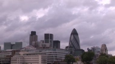 Time- Lapse of London on a cloudy overcast day