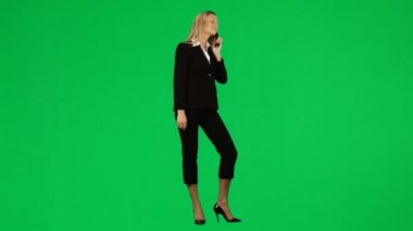Businesswoman on phone against green screen footage — Stock Video