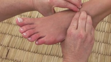 Close-up of a professional foot massage — Stock Video