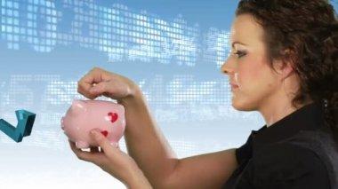 Saving money — Stock Video
