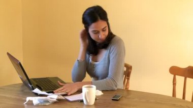 Angry woman doing her accounts — Stock Video #15422255