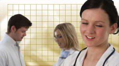 Team di medici che lavorano insieme — Video Stock