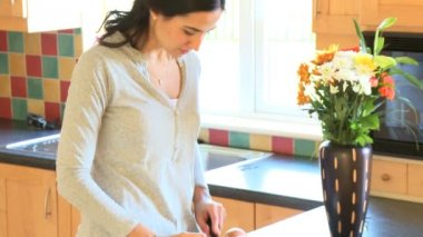 Portrait of a woman preparing a healthy salad — Video Stock