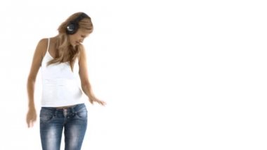 Animated caucasian woman listening to music with headphones and dancing — Stock Video
